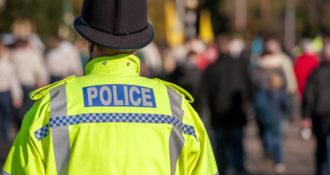 British Police Conduct Overnight Raids, Snatch 8 Individuals in Terror Probe