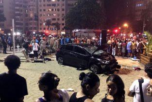 Car plows through Copacabana sidewalk, kills baby, injures 15