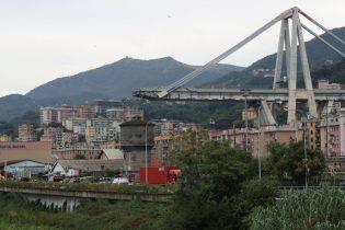 At least 35 people killed in Genoa bridge collapse: Italian police