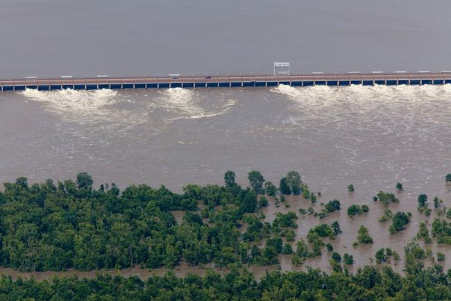 Mississippi Floodway May Be Opened, Unleashing 17 Million Liters Of Water Per Second
