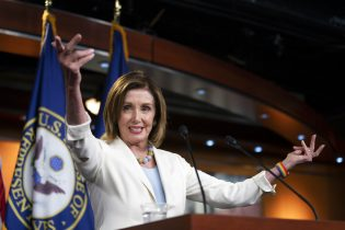 House votes to condemn President Trump's comments on progressive lawmakers