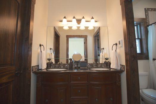 Lazy Bear Master Suite Bathroom