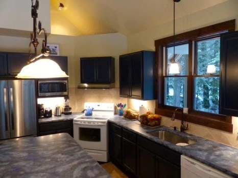 The kitchen/island