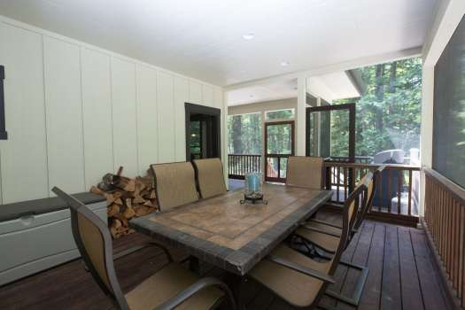 Exterior Dining Space