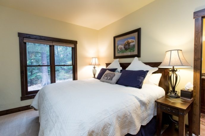 Lazy Bear Master Suite