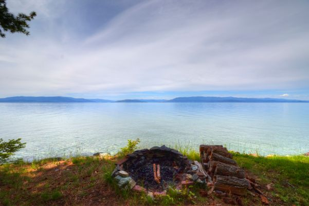 Firepit overlooking Flathead Lake