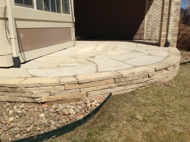 Colorado Buff Cut Flagstone Wall and Patio.