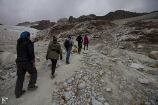 Pod Huayna Potosi. W drodze na lodowiec Zongo (Glaciar Zongo) (w tle). Fot. T. Kurczaba