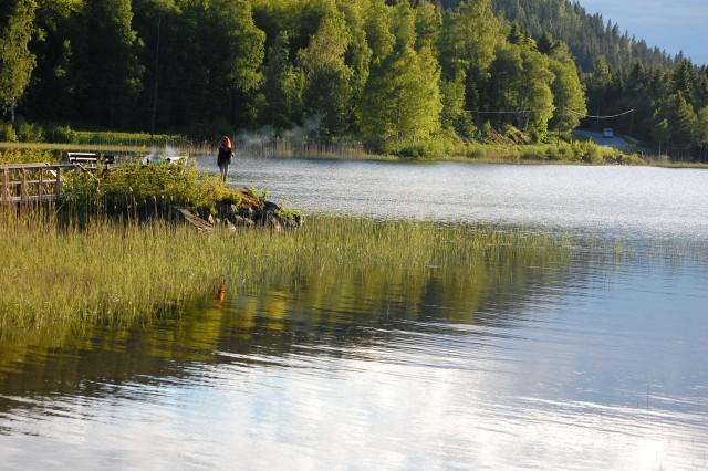 Fiske och grillning vid Omnesjön