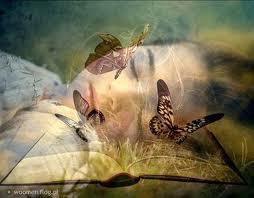 Flicka fjäril