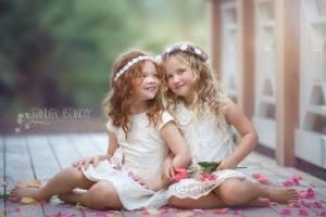 Flickor två lycka blomma