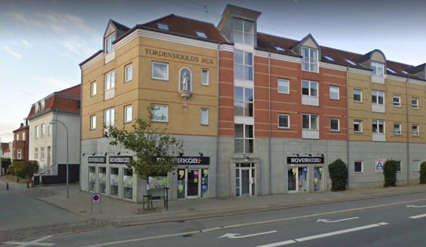 En maskeret mand forsøgte at røve Røverkøb på Søborg Hovedgade. Foto: Google Streetview.