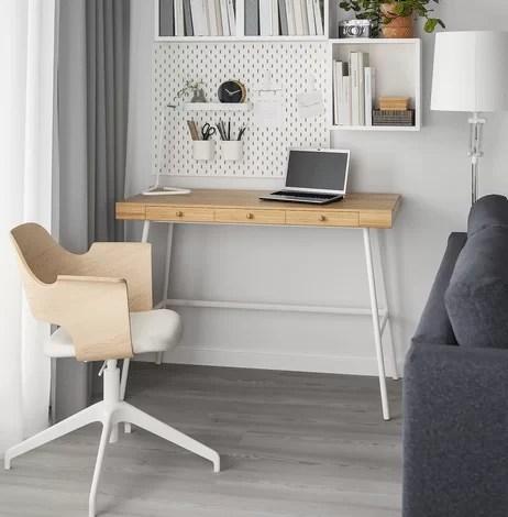 Per una parete attrezzata è una griglia in metallo da colorare con il. Scrivanie Ikea Per Casa Novita Prezzi E Modelli Piu Belli Glamcasamagazine