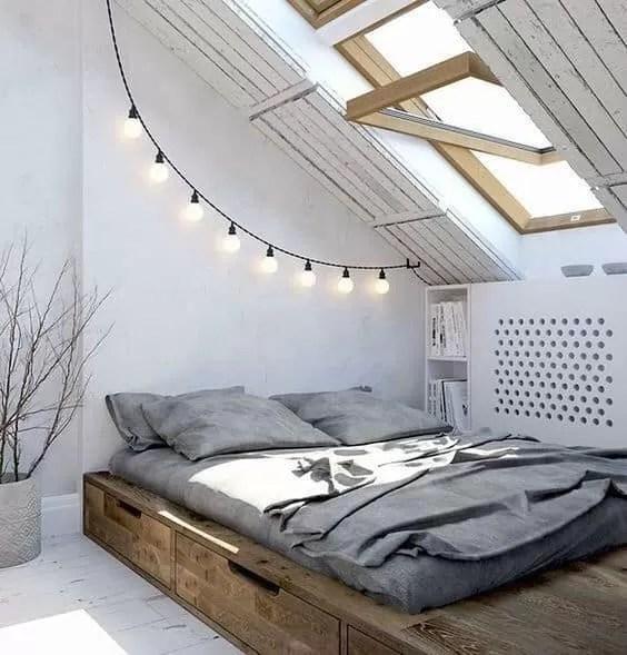 In genere, le camere da letto in mansarda hanno letti bassi che vengono. Come Arredare Una Mansarda Glamcasamagazine