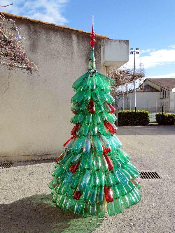 sapin-noel-bouteilles-recyclees