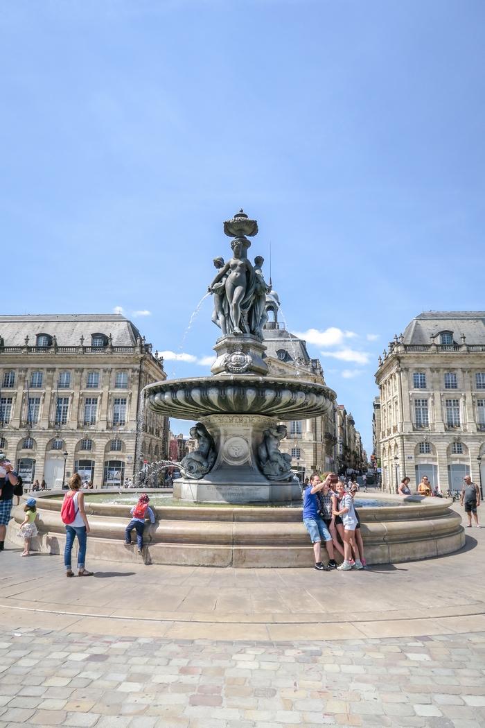 Bordeaux, fontaine de la place de la Bourse