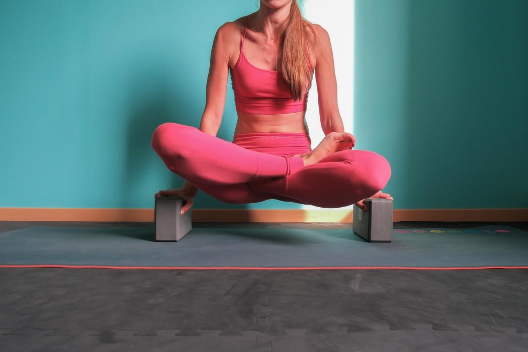 pratiquer le yoga chez soi mon exp rience et mon mat riel. Black Bedroom Furniture Sets. Home Design Ideas