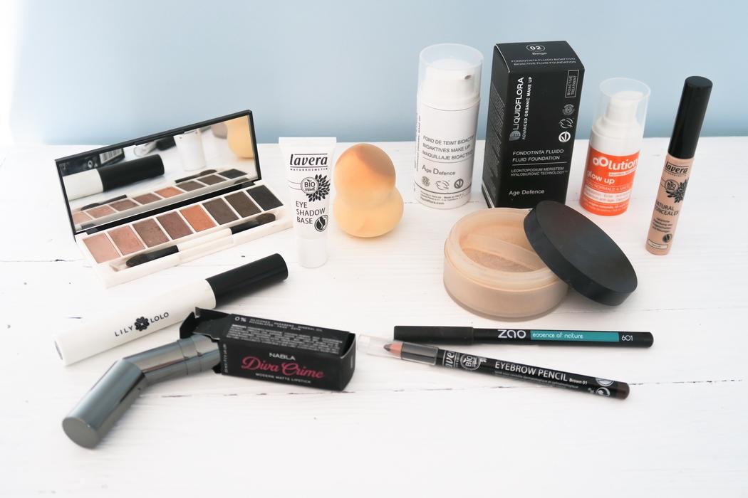 Maquillage cruelty free végane peut rimer avec glamour ! Voici un make-up spécial saint-Valentin réalisé avec de belles marques naturelles et éthiques. Découvrez des produits vegan qualitatifs à prix abordables.