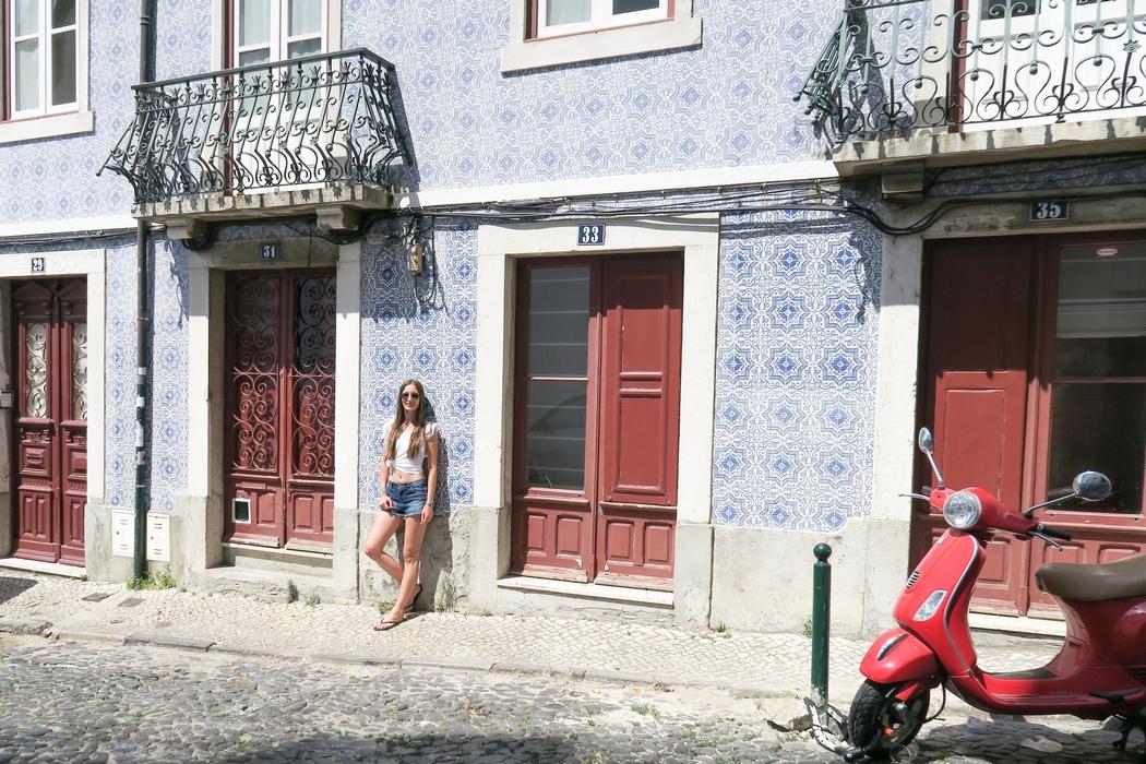 De passage à Lisbonne ? Partez à la découverte des incontournables de la capitale portugaise et de ses nombreux quartiers qui ont tant à offrir.