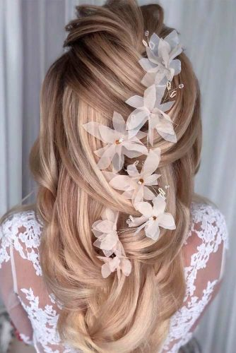 Beautiful and Easy Hairstyles for Homecoming #greekbraid #braidedhairstyles