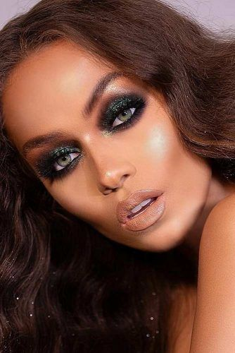 Dark Gray Glitter Smokey Eyes Look #nudelips
