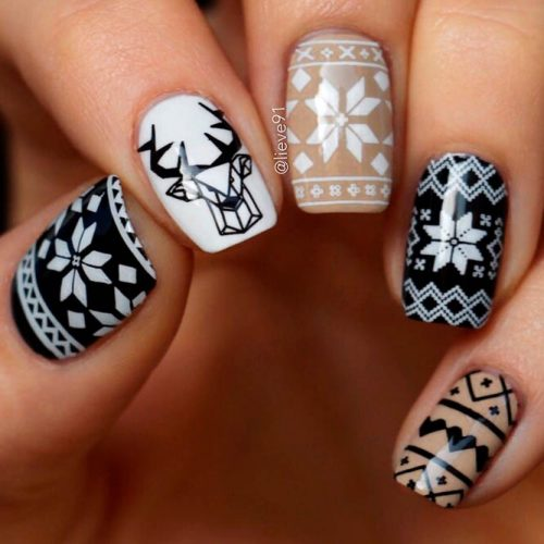 Nordic Nail Pattern With Hipster Deer #nordicpatternnails #winternails
