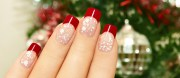 christmas nail art in gold white