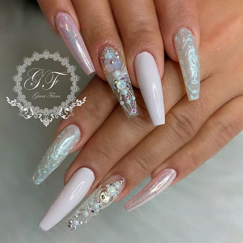 Cute White Coffin Nails Picture 3