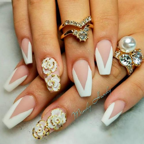 Cute White Coffin Nails #mattenails #flowersnails
