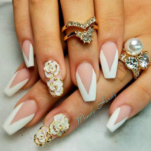 Cute White Coffin Nails #mattenails #flowersnails
