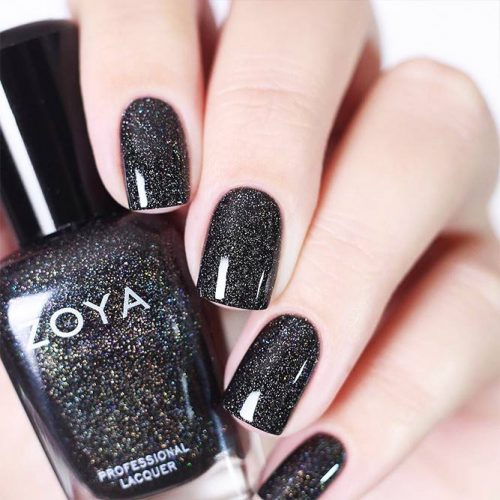 Pretty Black Nail Designs for Any Occasion Picture 3
