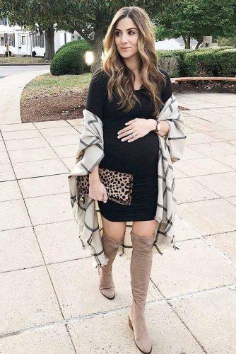 Elegant Dresses for Expectant Mothers