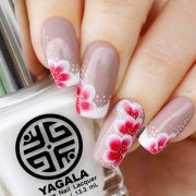 super pretty flower nail design
