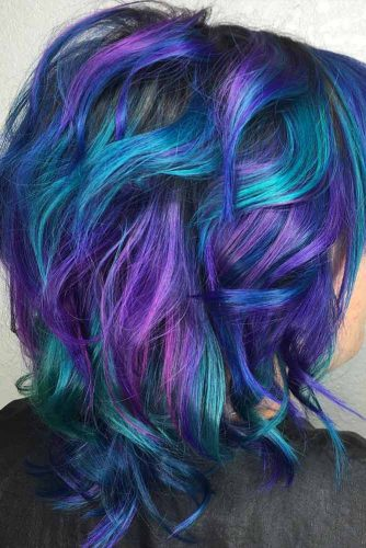 Medium Layered Haircut With A Blue And Purple Color #mediumhair #layeredhaircut