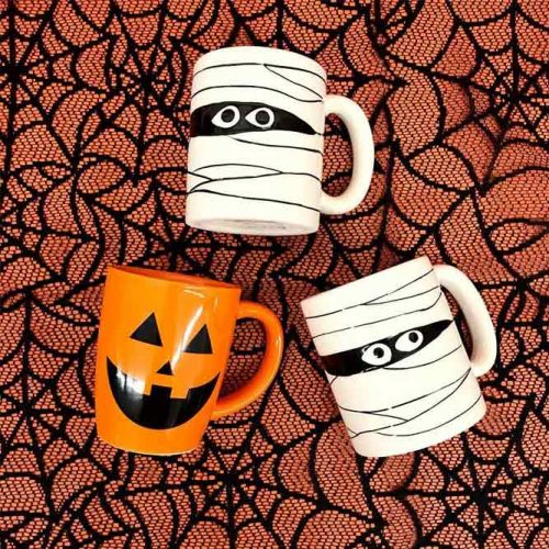 Mugs Halloween Favors Idea