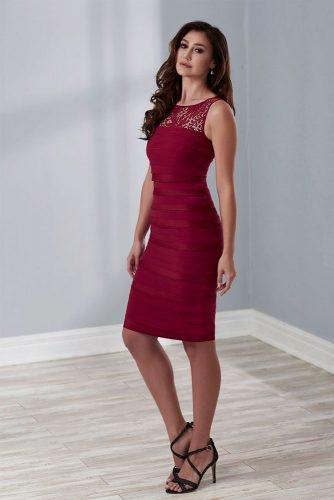 Burgundy Bodycon Dress With Lace #bodycondress #burgundydress