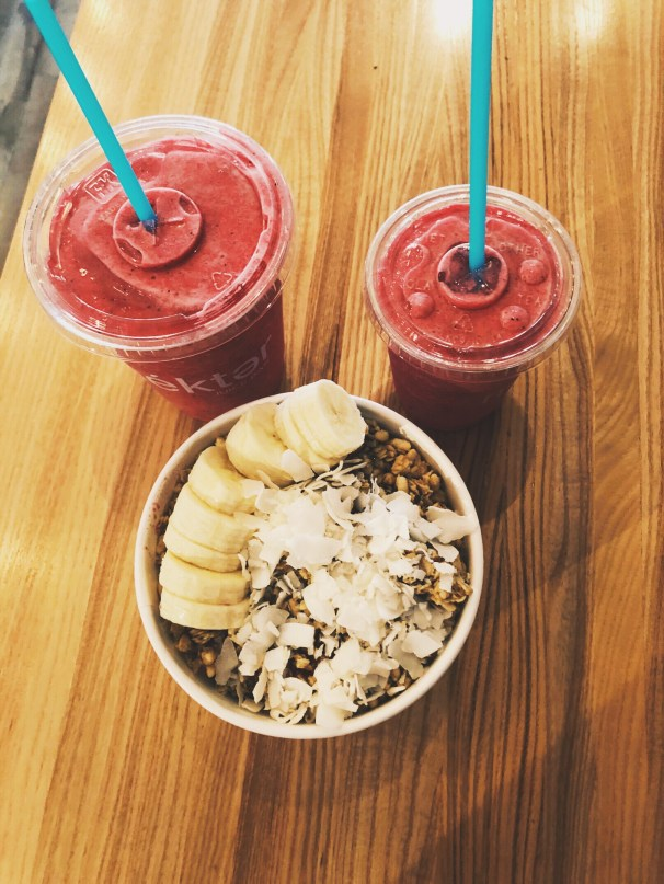Acai bowl and smoothies
