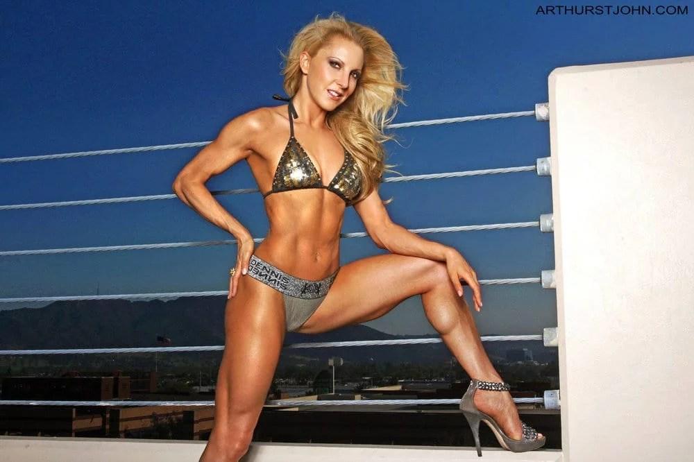fitness model eve dawes bikini rooftop