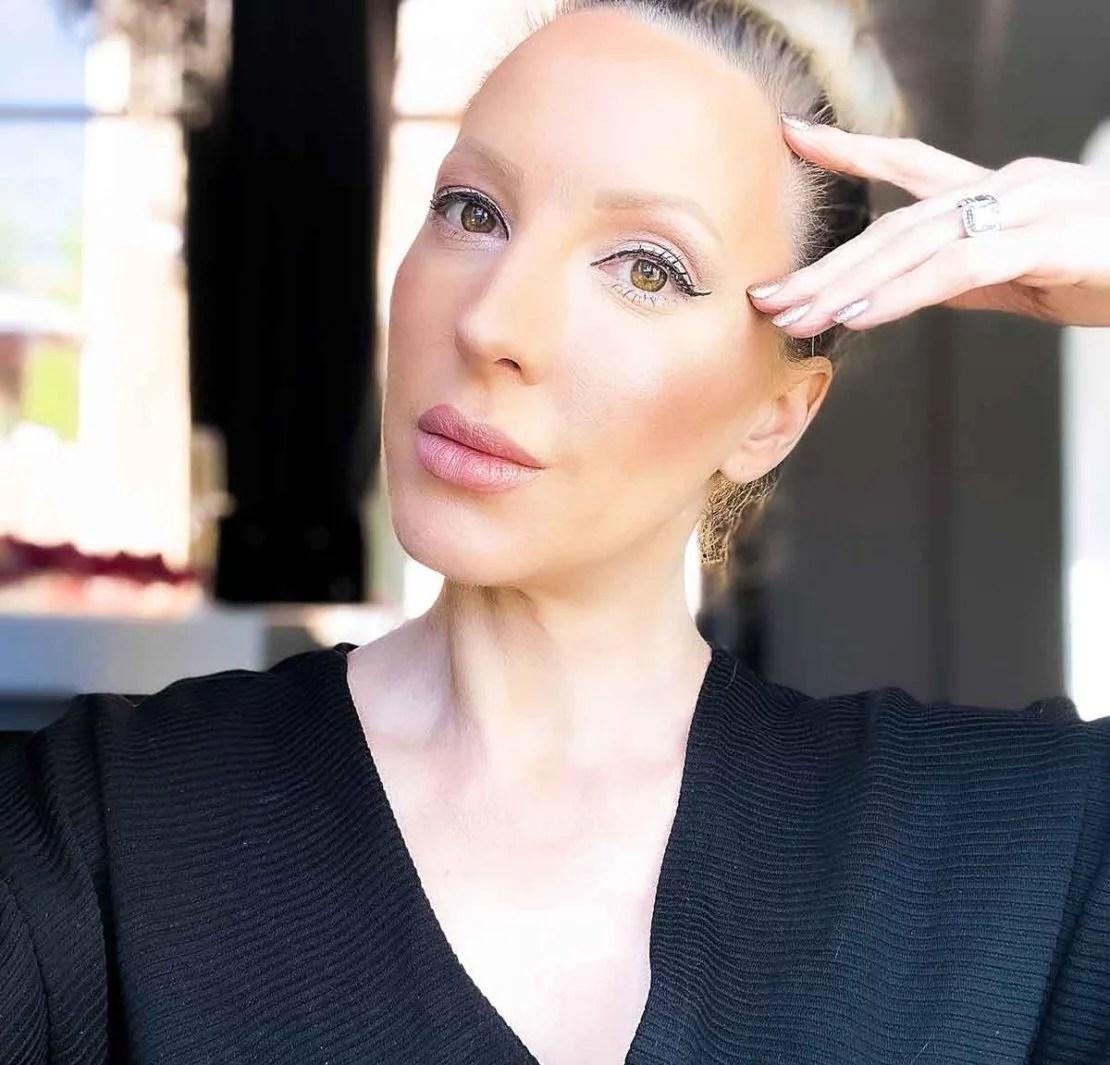 glowing skin beauty blogger eve dawes makeup