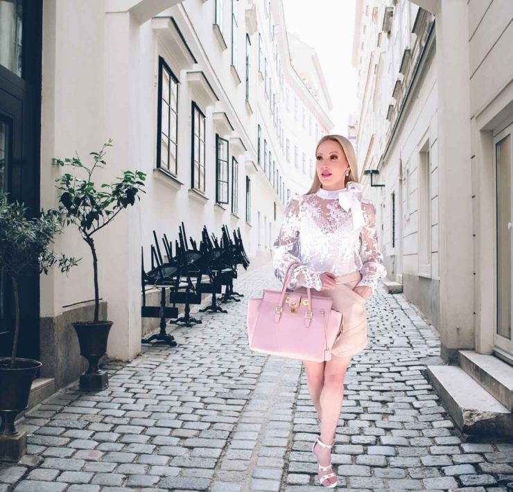 fashibn blogger brunch outfit cobbled street