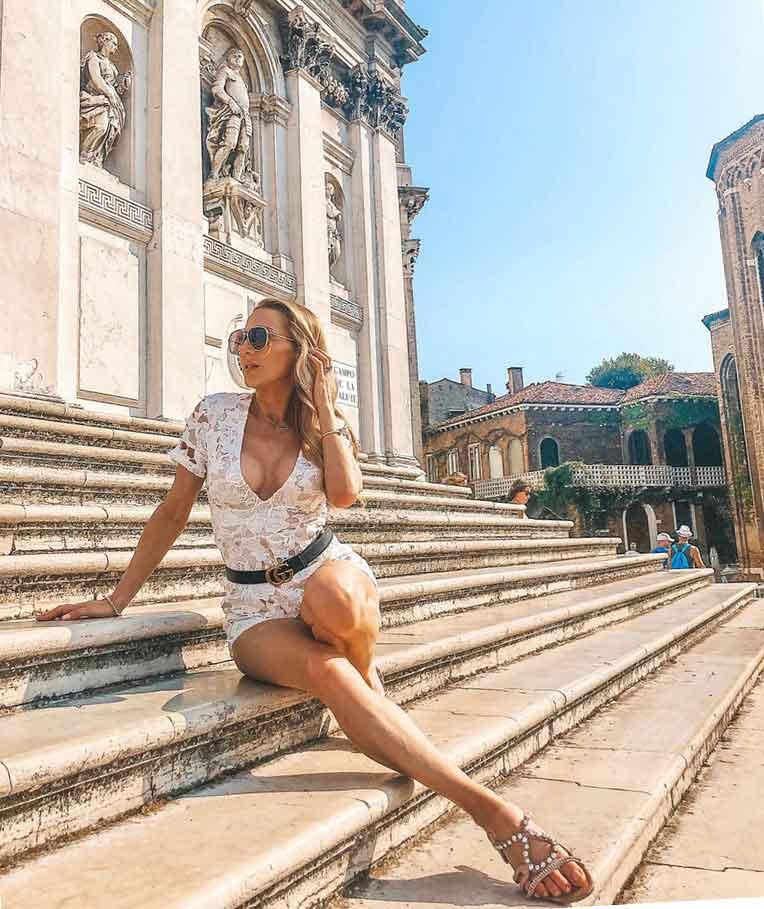 summer fashion wardrobe essentials glamour gains fashion blogger Eve Dawes step