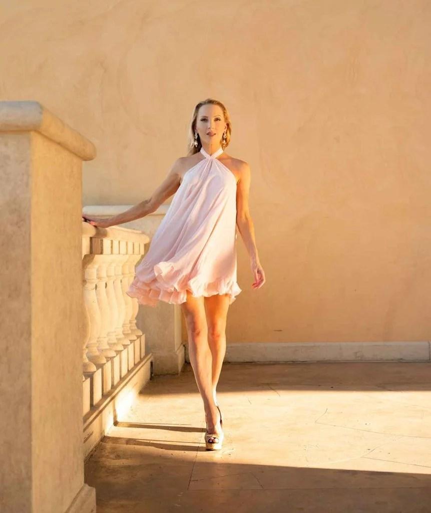 2021 fashion trend pastel dress blogger Eve Dawes