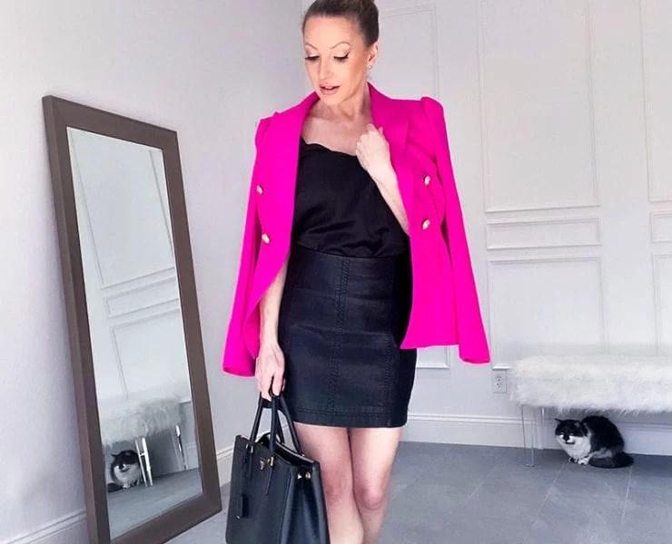 leather skirt outfit pink blazer fashion blogger Eve Dawes