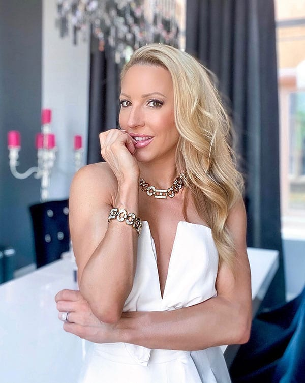 chunky gold necklace fashion blogger spring shopping Eve Dawes
