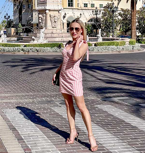 summer sandals nude strappy heels Vegas fountain
