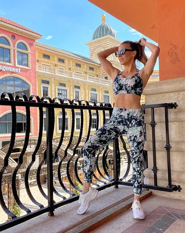 Sweaty betty green navy leggings top glamour gains