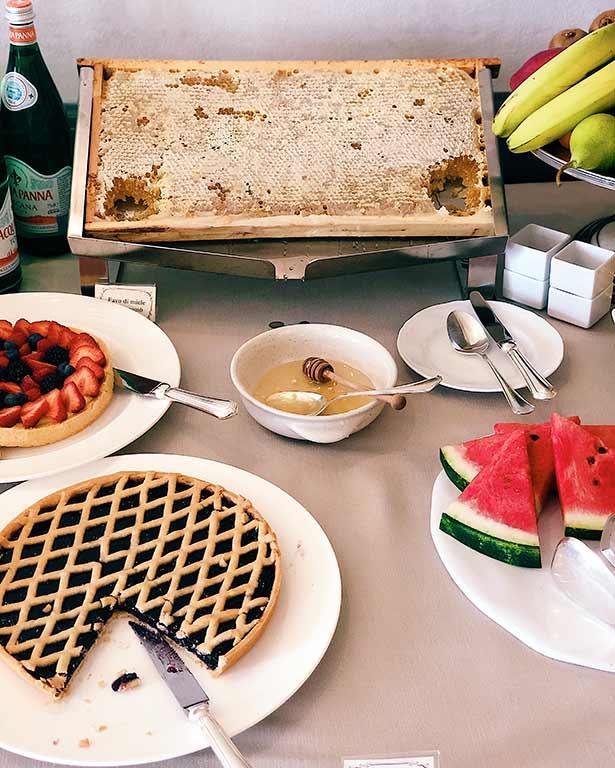 Breakfast Como Castello Del Nero review