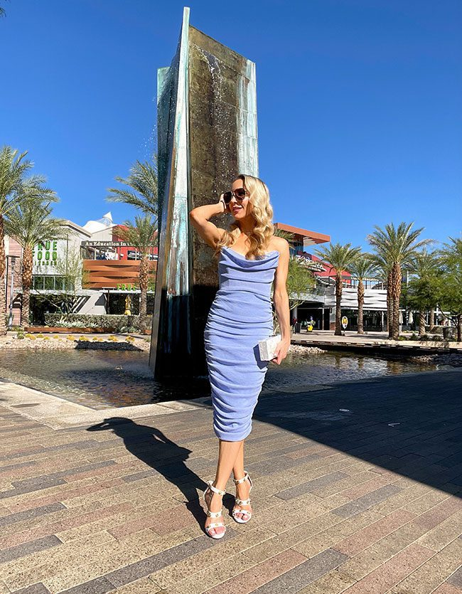 sexy strapless blue cocktail dress fashion blogger Vegas