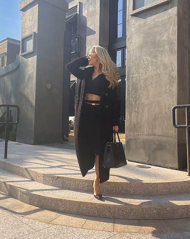 fall trends fashion blogger long coat black