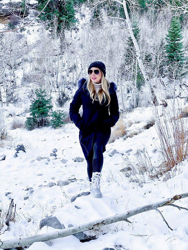 Long black faux fur collar coat fashion influencer eve dawes snow